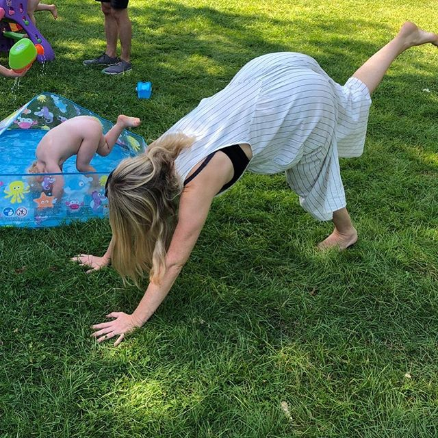 * H A P P Y * B A N K Y * perfect pool, park yoga weather! Think we've invented a new kind of yoga Pool-oga ?? ☀️🤸🏼♀️