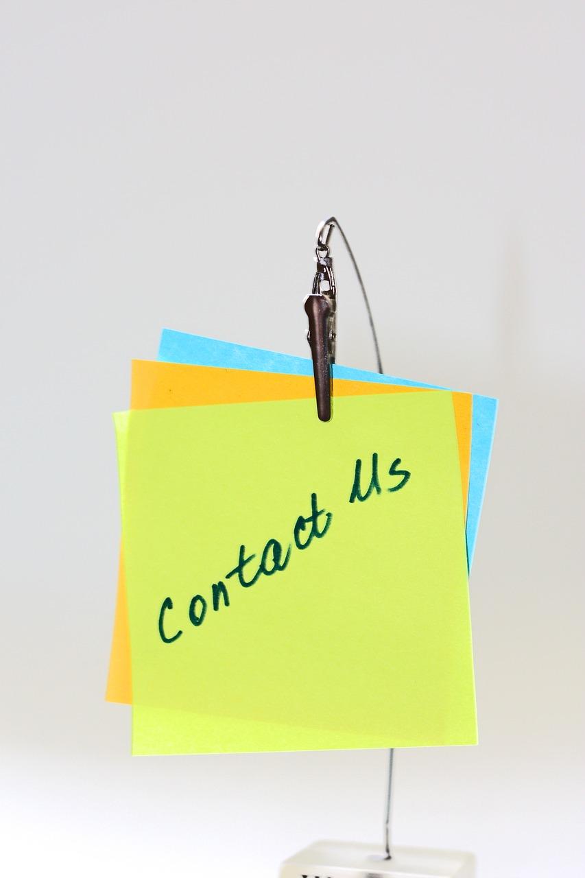contact-us-2393716_1280.jpg
