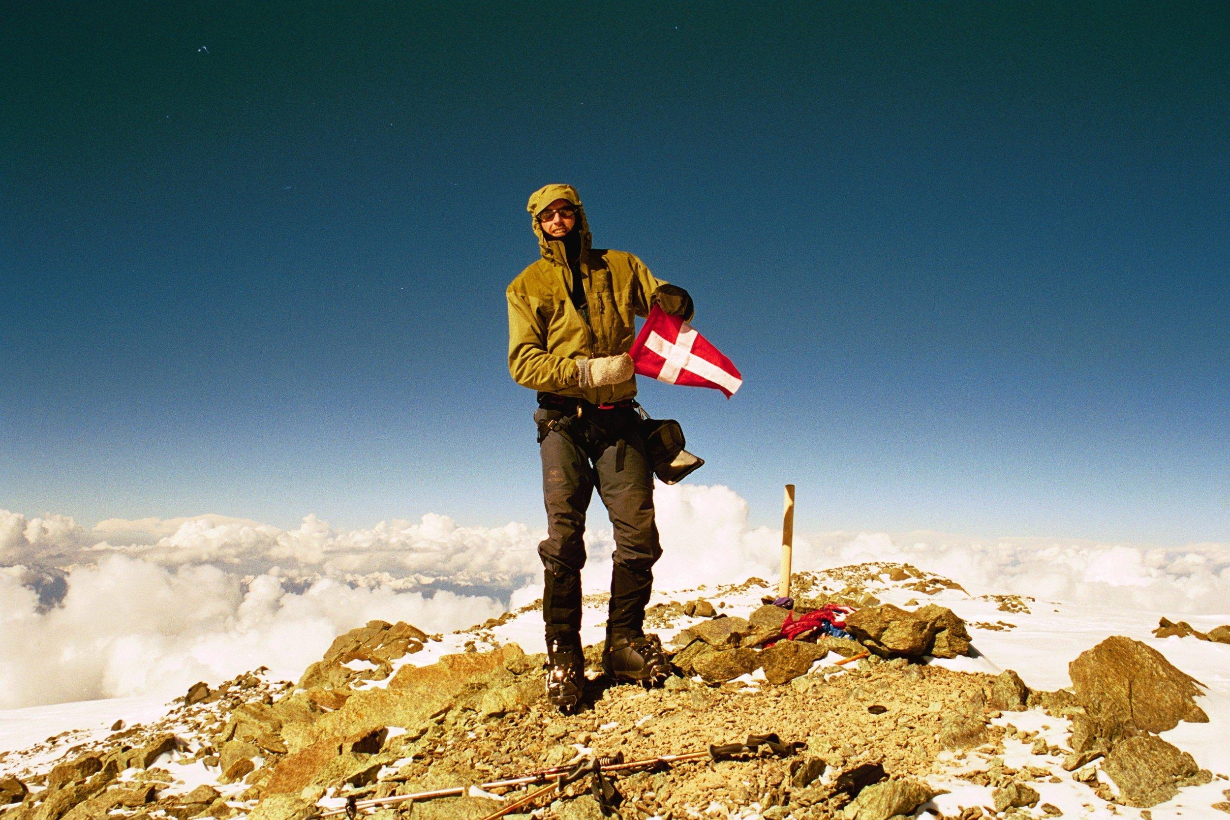 Guide - Jakob Urth på toppen af Peak Lenin