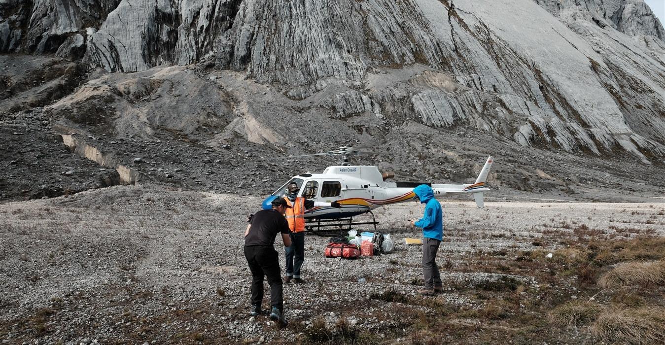 På vores Heli/Flash 12 dages afgang flyver vi direkte t/r til Base Camp