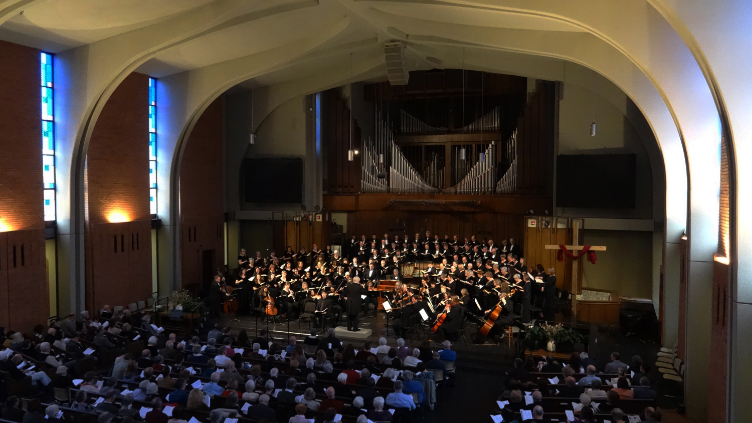 The Bach Society of Dayton brings awe-inspiring choral singing to Dayton, Ohio with choral and orchestral concerts that span seven centuries of music.