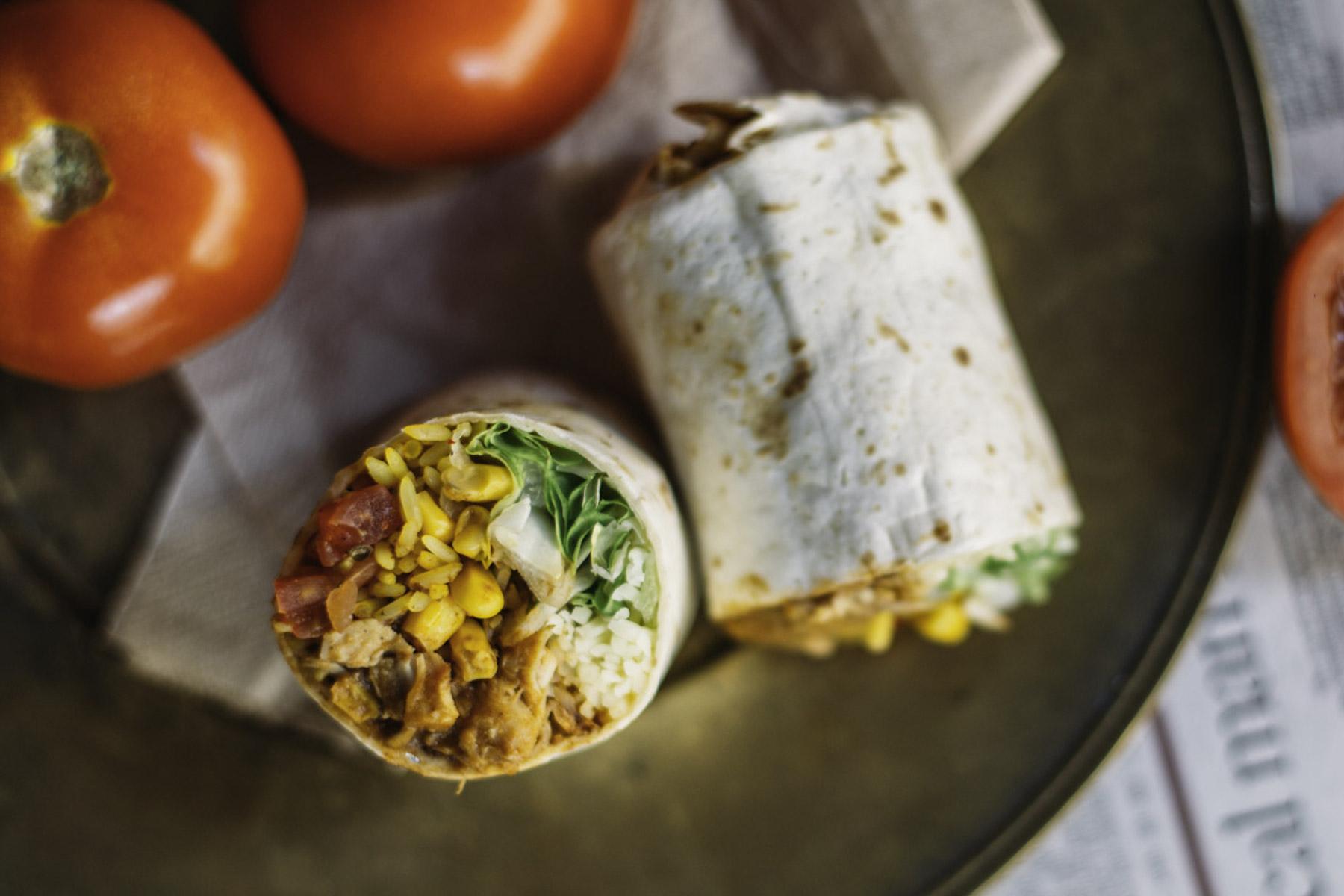 burrito-company-fraeulein-edith-deliveroo_chicken-burrinho_-3-2.jpg