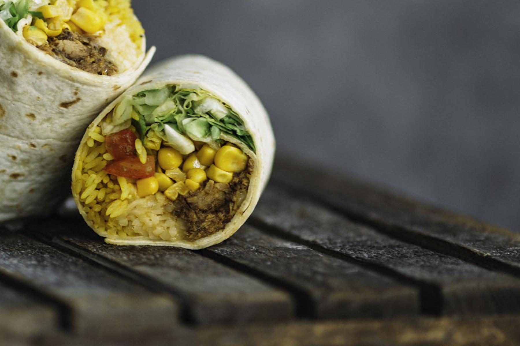 burrito-company-fraeulein-edith-deliveroo_pulled-pork-burrito_-2-2.jpg