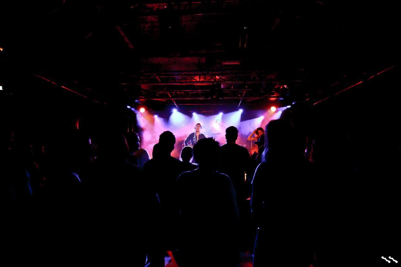 Jaimi Faulkner Band Crowd