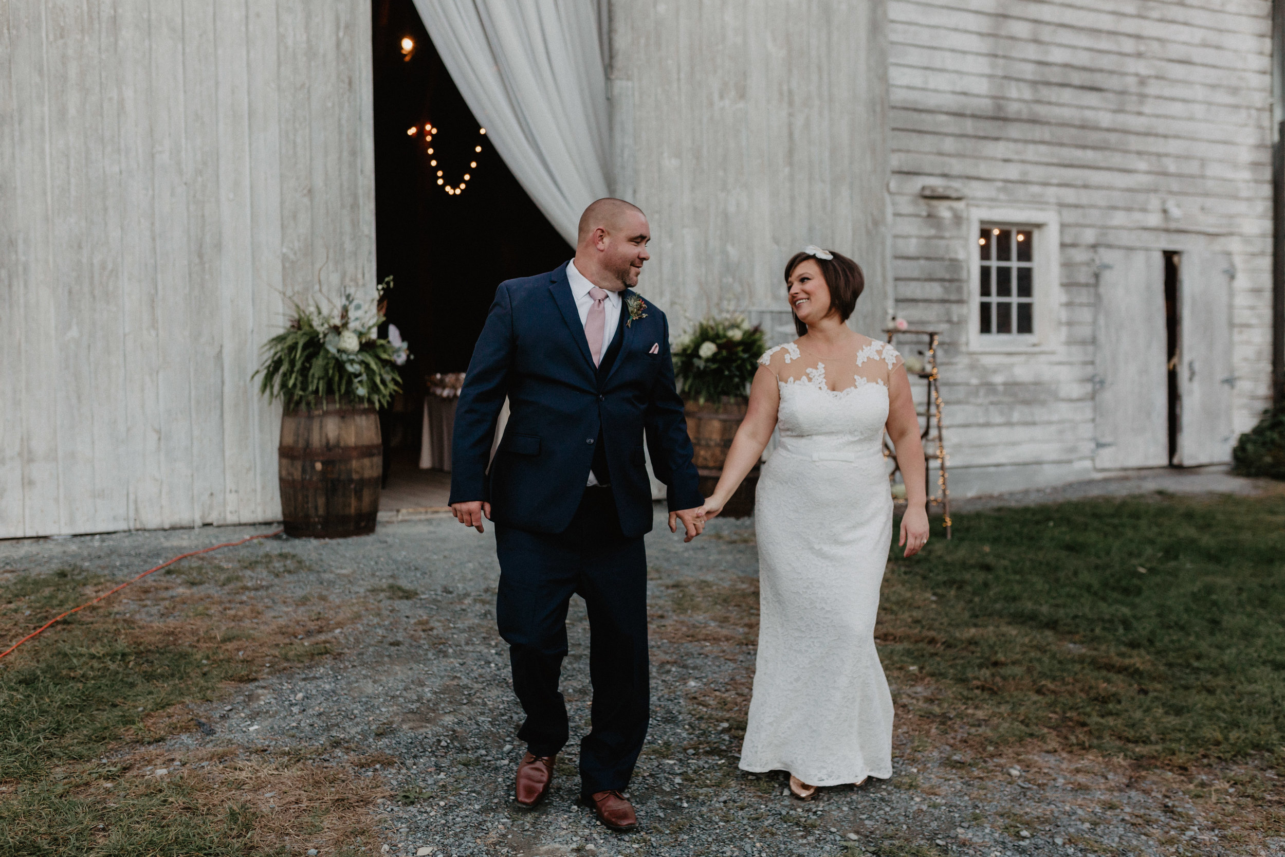 shaker_heritage_barn_wedding_036.jpg