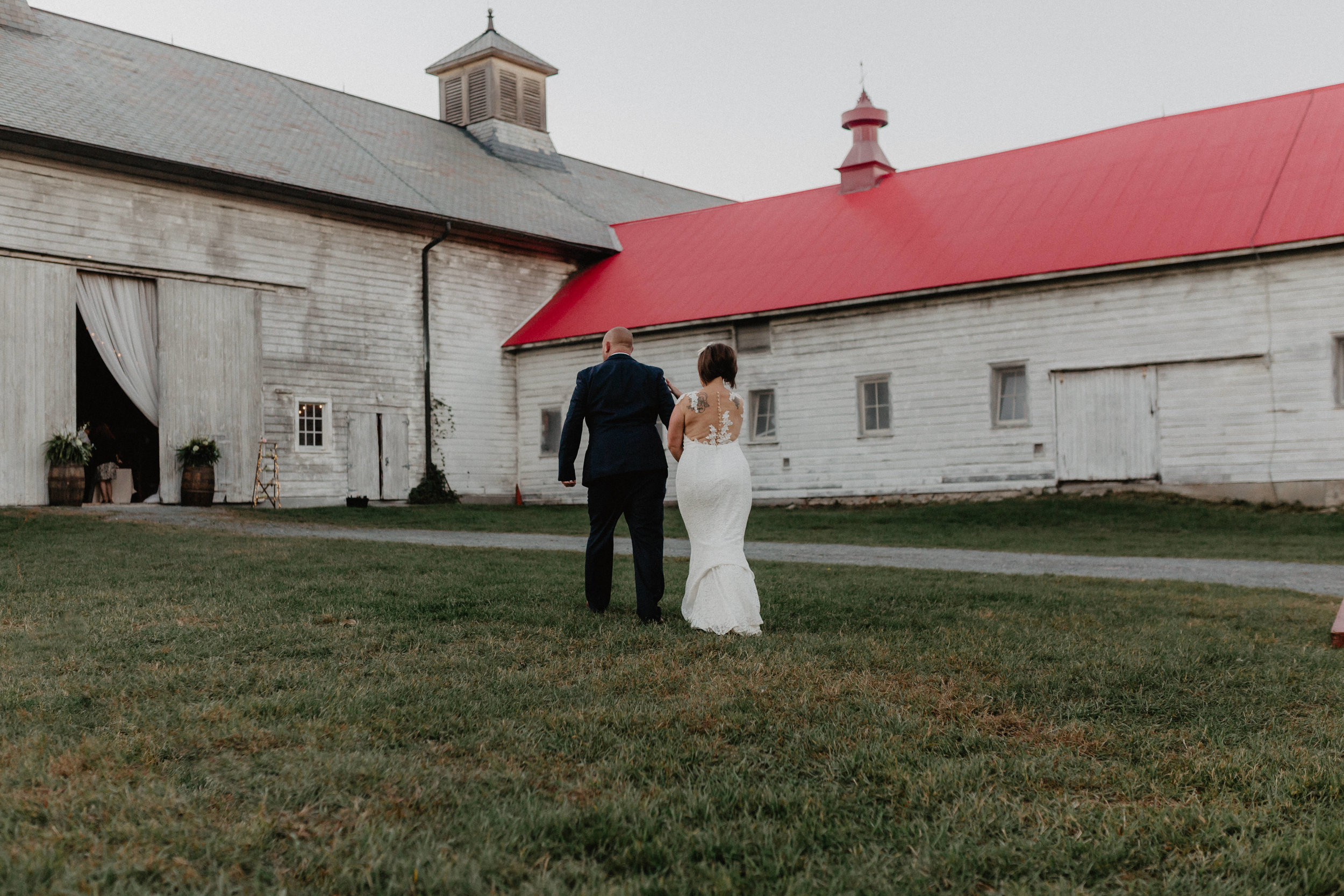 shaker_heritage_barn_wedding_042.jpg