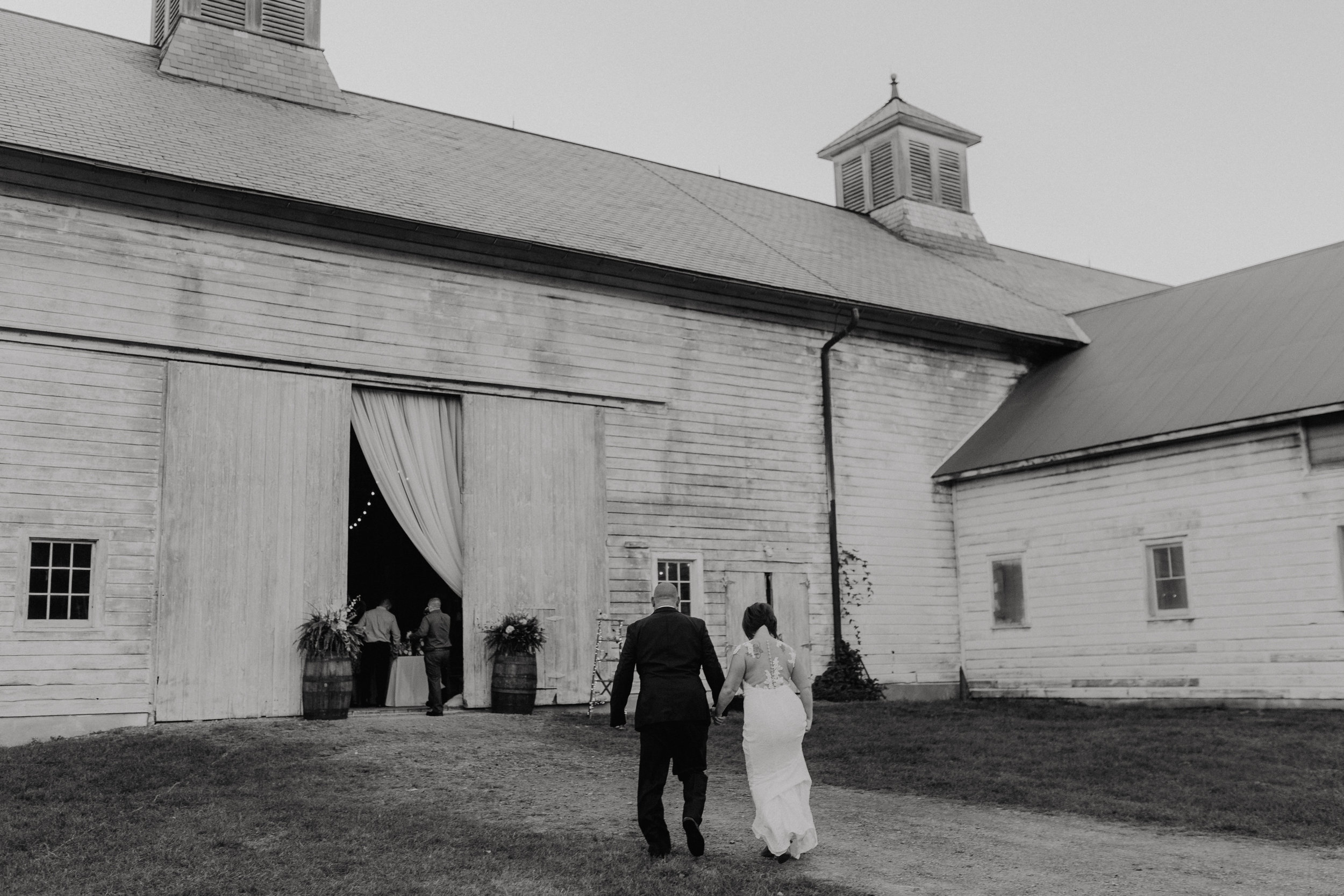 shaker_heritage_barn_wedding_043.jpg