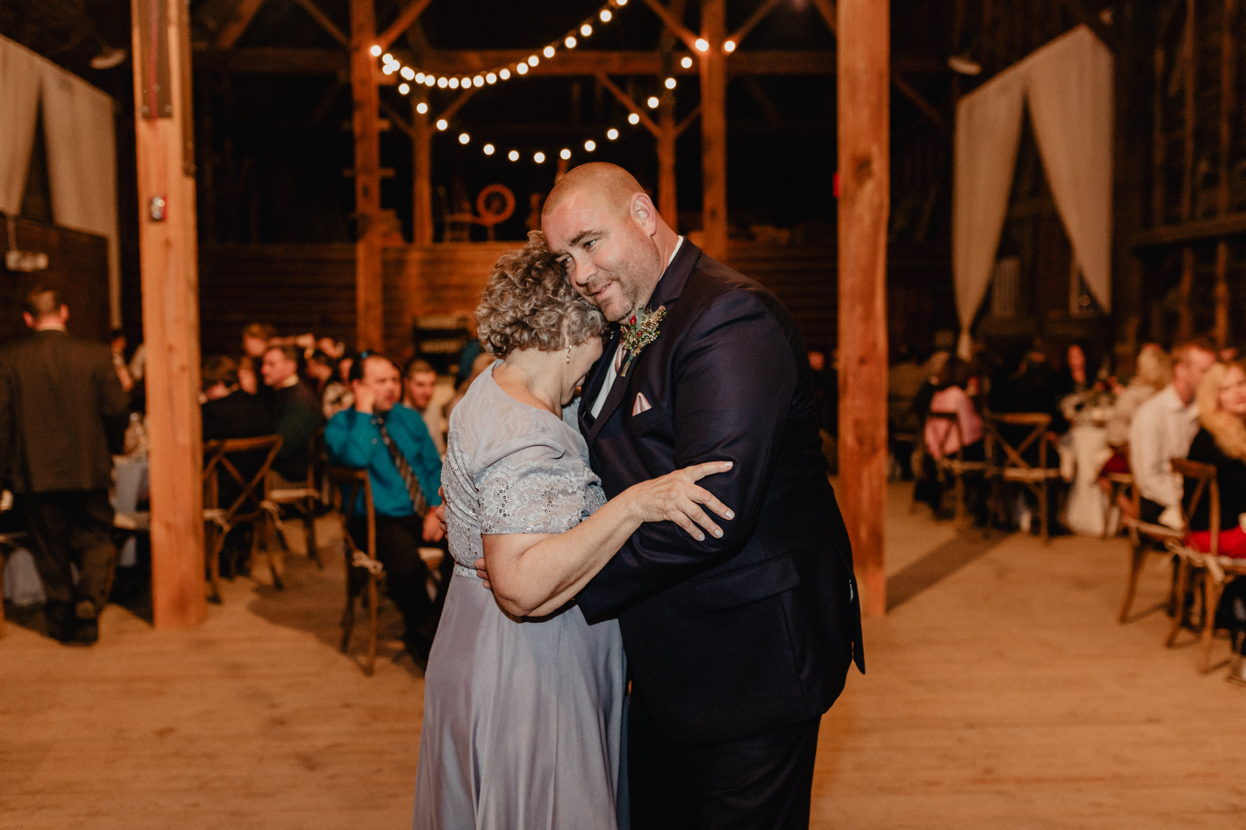 shaker_heritage_barn_wedding_048.jpg