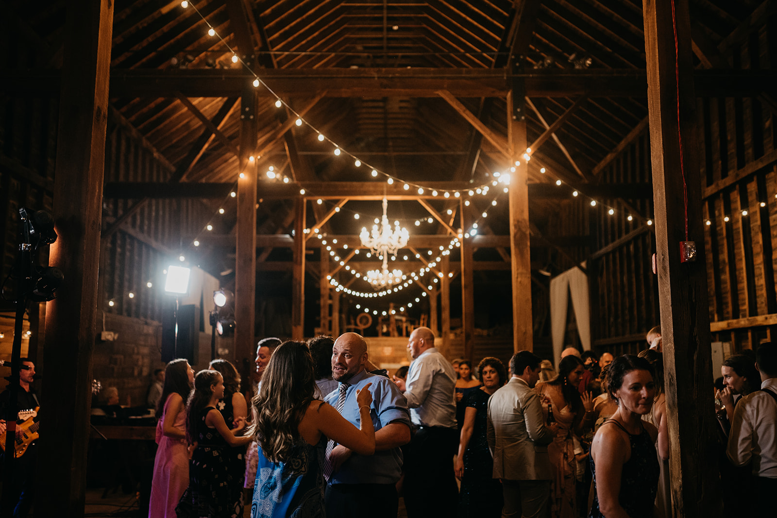 shaker_heritage_barn_wedding_071.jpg