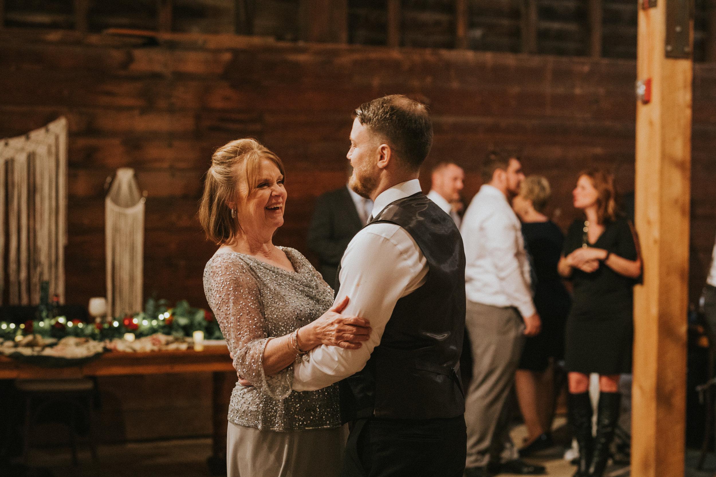 shaker_heritage_barn_wedding_047.jpg
