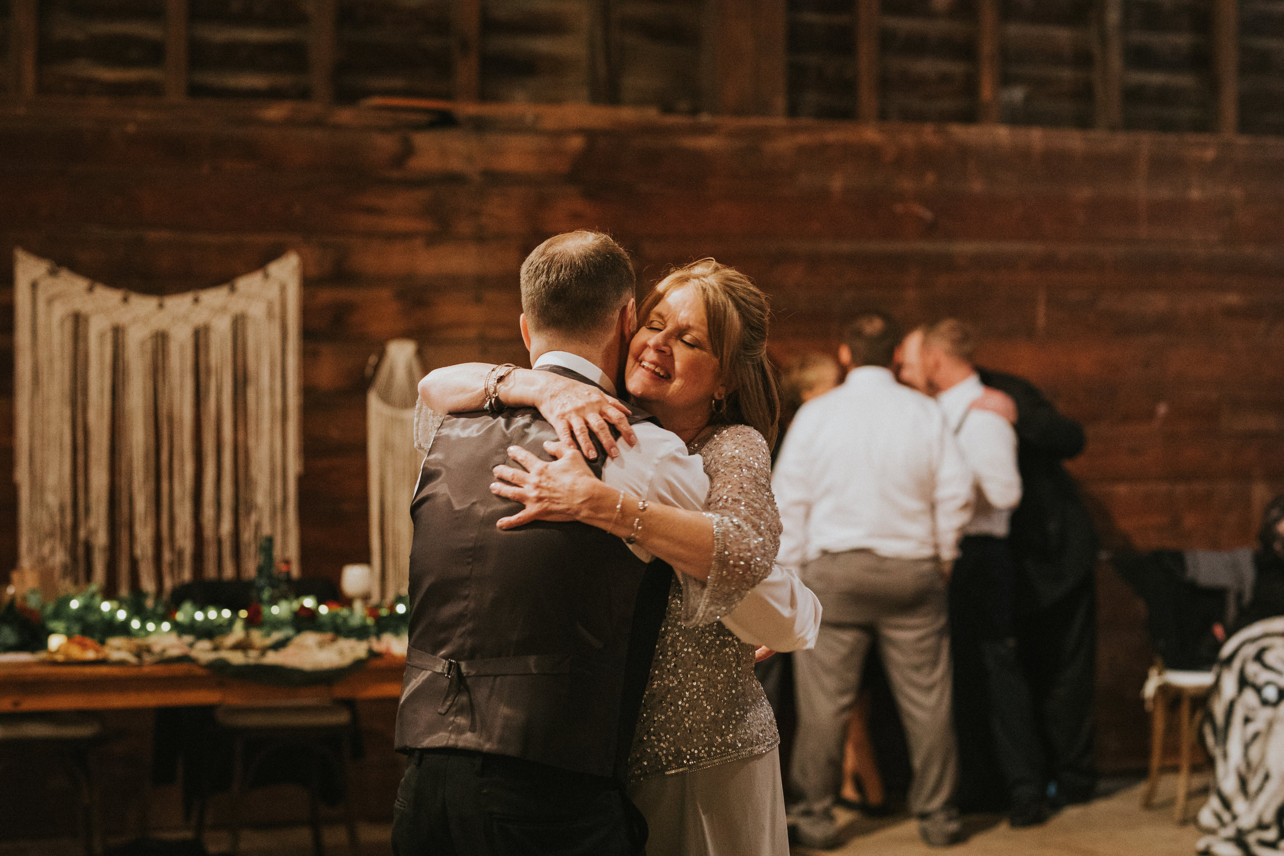 shaker_heritage_barn_wedding_050.jpg