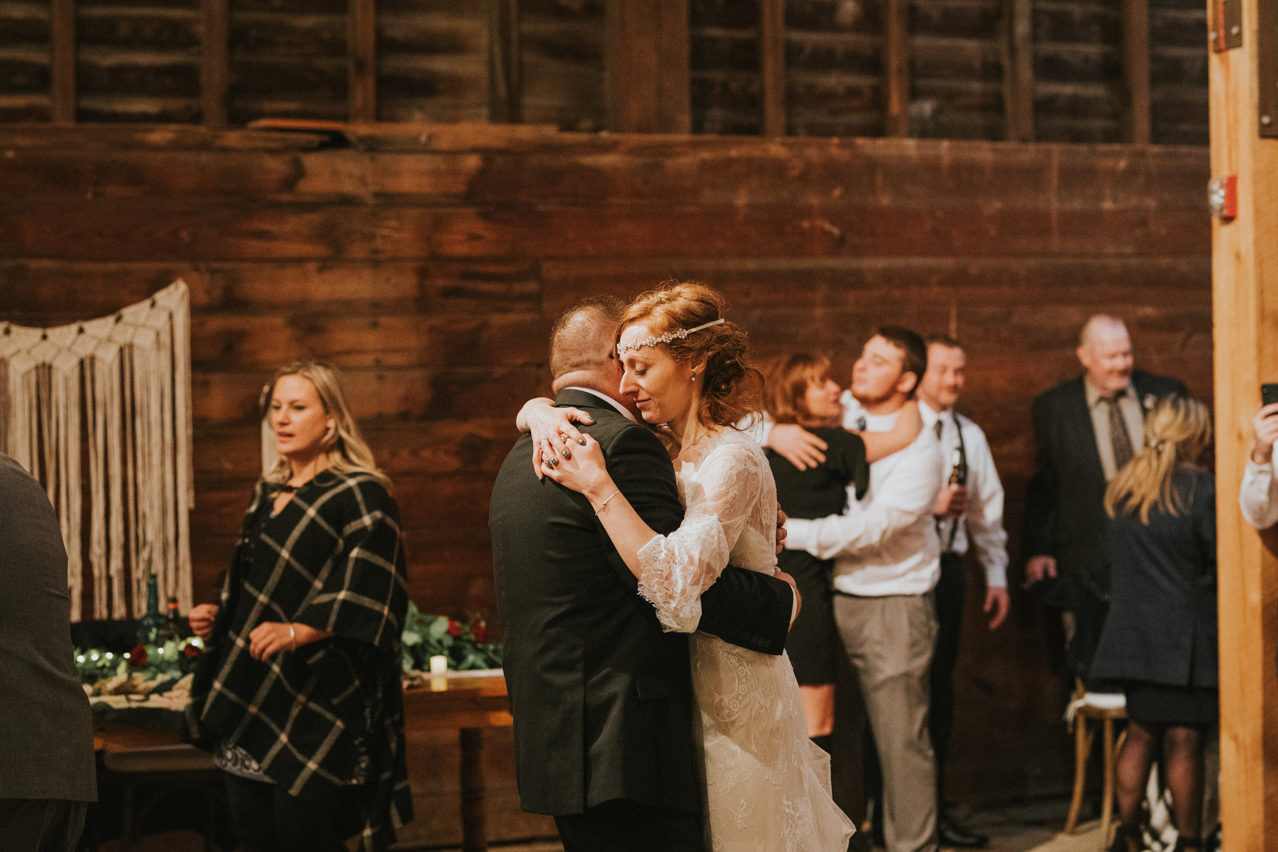 shaker_heritage_barn_wedding_051.jpg