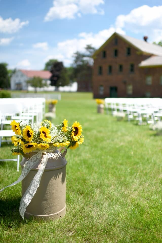 shaker-heritage-barn-wedding-day002.jpg