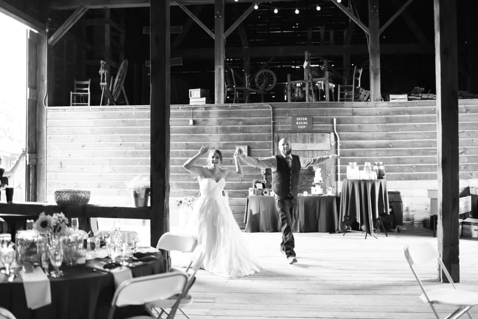 shaker-heritage-barn-wedding-day013.jpg