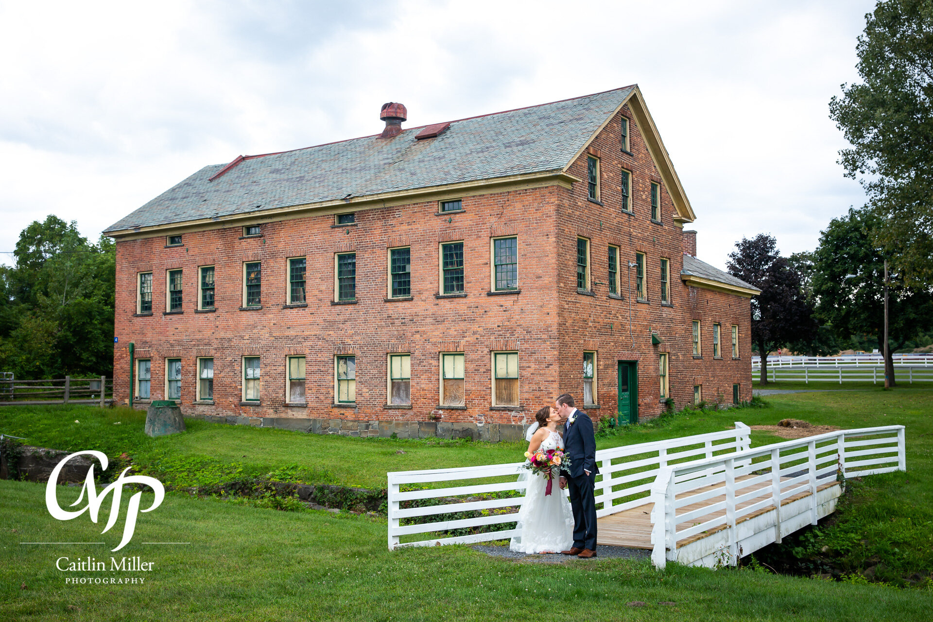 shaker-heritage-barn-wedding-day005.jpg