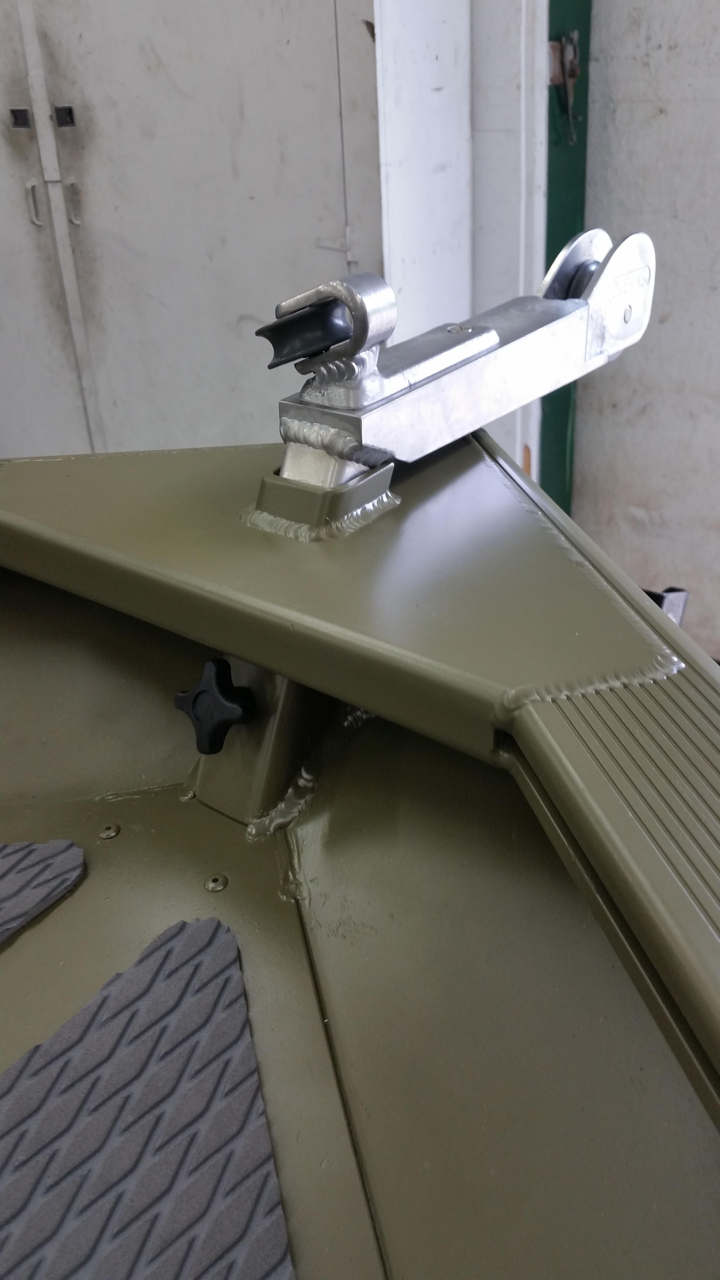 Remote anchor<br>systems<br>1648 tracker<br>Jon Boat