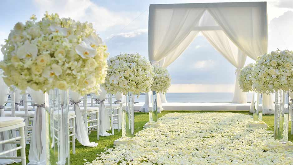 How to donate your wedding flowers. -