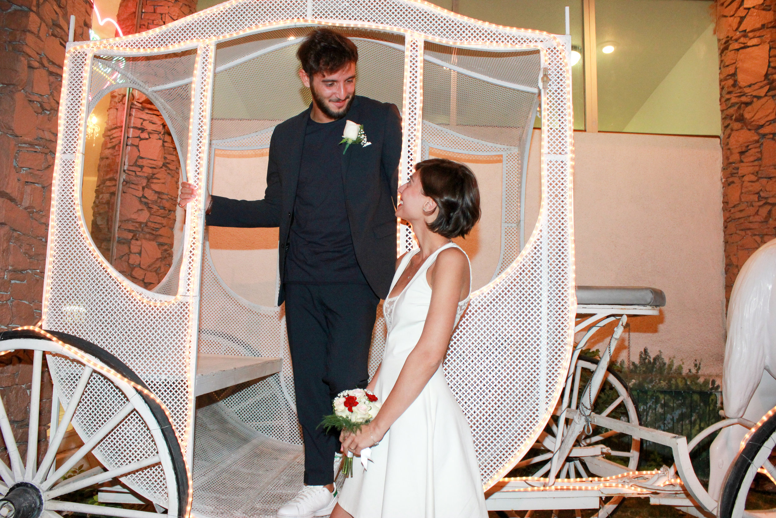Horse and carriage las vegas wedding
