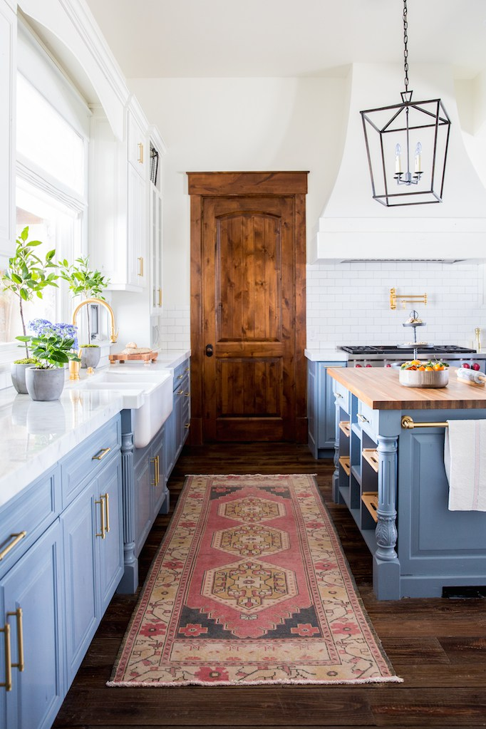 http://beckiowens.com/before-after-heber-house-project-kitchen/