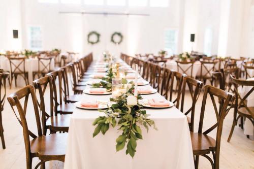 white-sparrow-barn-wedding-inspiration.jpg