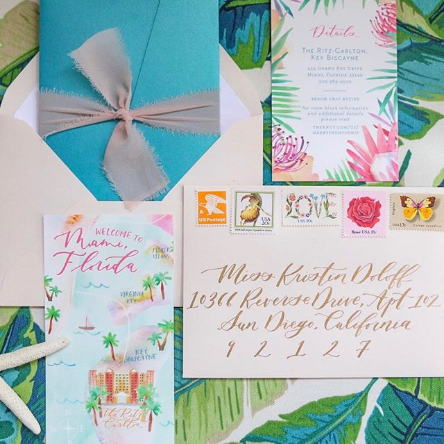 I see you summertime weddings...and I like you ahhhhhh-looot. ☀️🌿🌸 The color combos in this custom watercolor wedding map are so yummy!