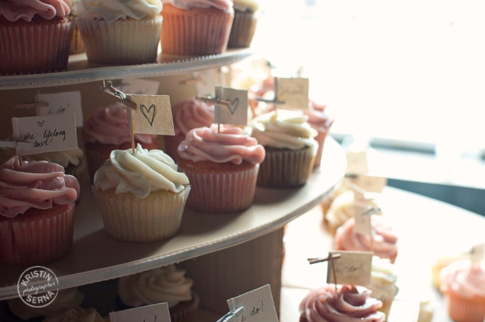 BeautifulWeddingCupcakeTower_CZ_WEB.jpg
