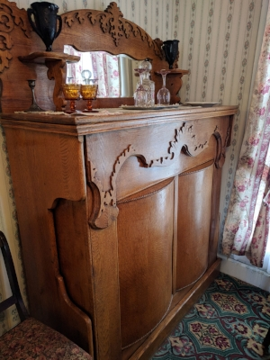 A Victorian guest bed! In a cabinet!