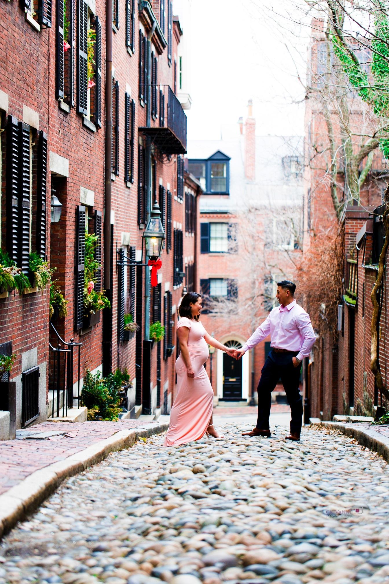 Maryanne & Steve Maternity Photo's Acorn Street Boston, MA