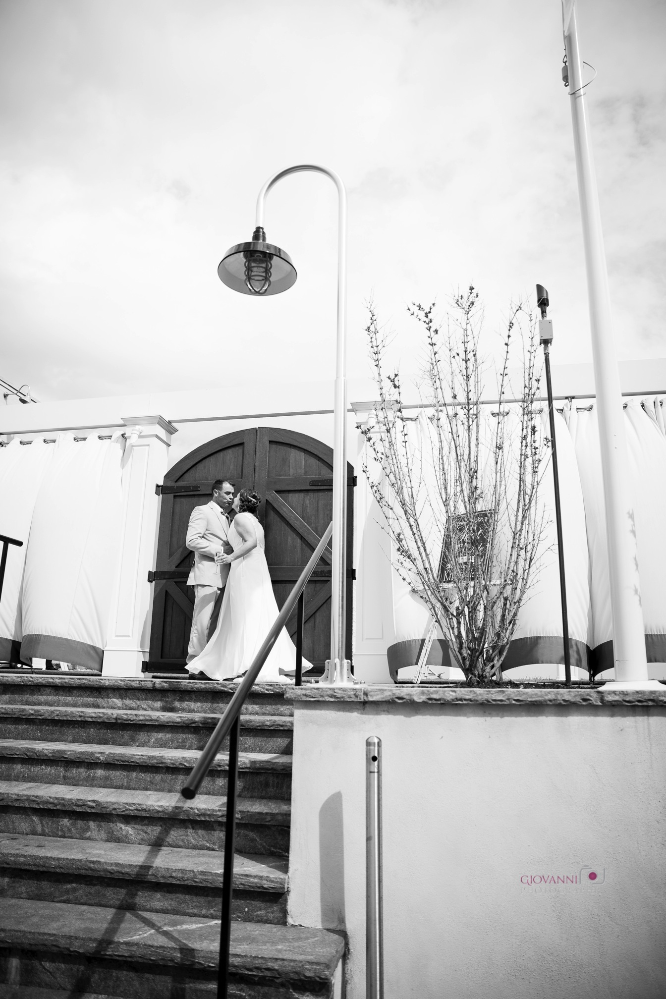8C2A2053 Giovanni The Photographer Boston Wedding Photographer Oceanview of Nahant - Tracy Todd WM35.jpg
