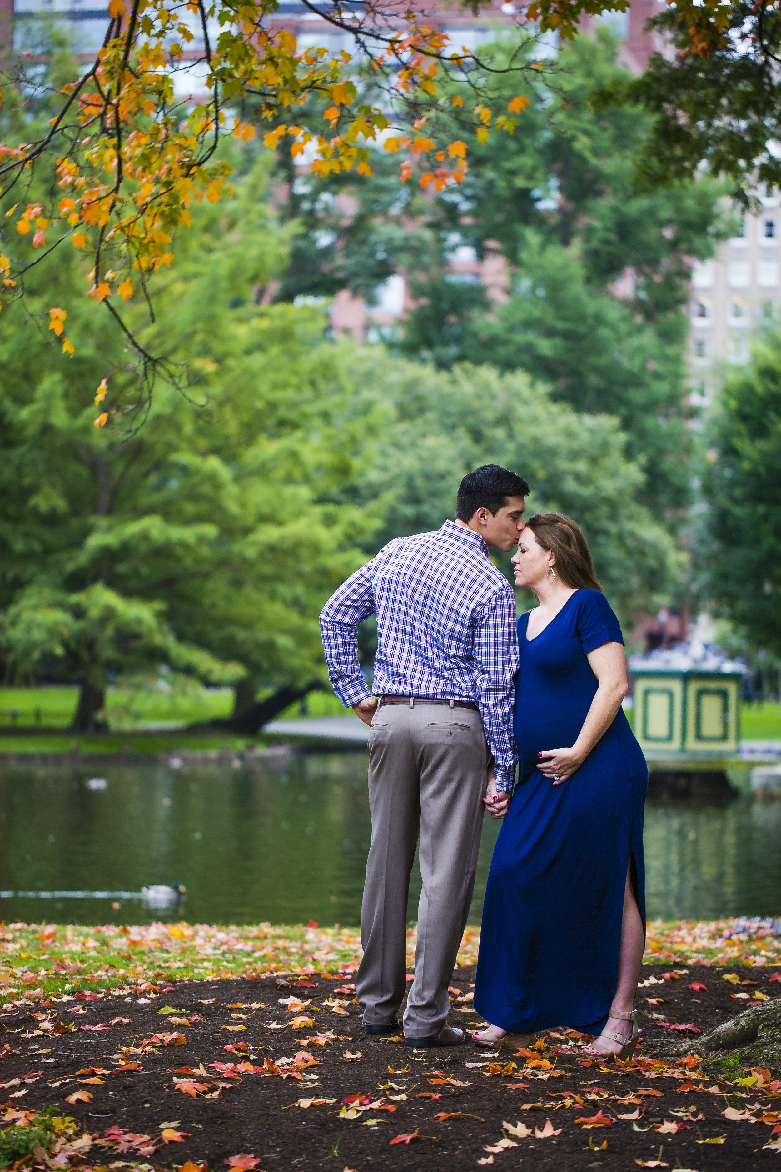 8C2A6332 Giovanni The Photographer Best Boston Maternity New Born Photography Public Garden - Common.jpg