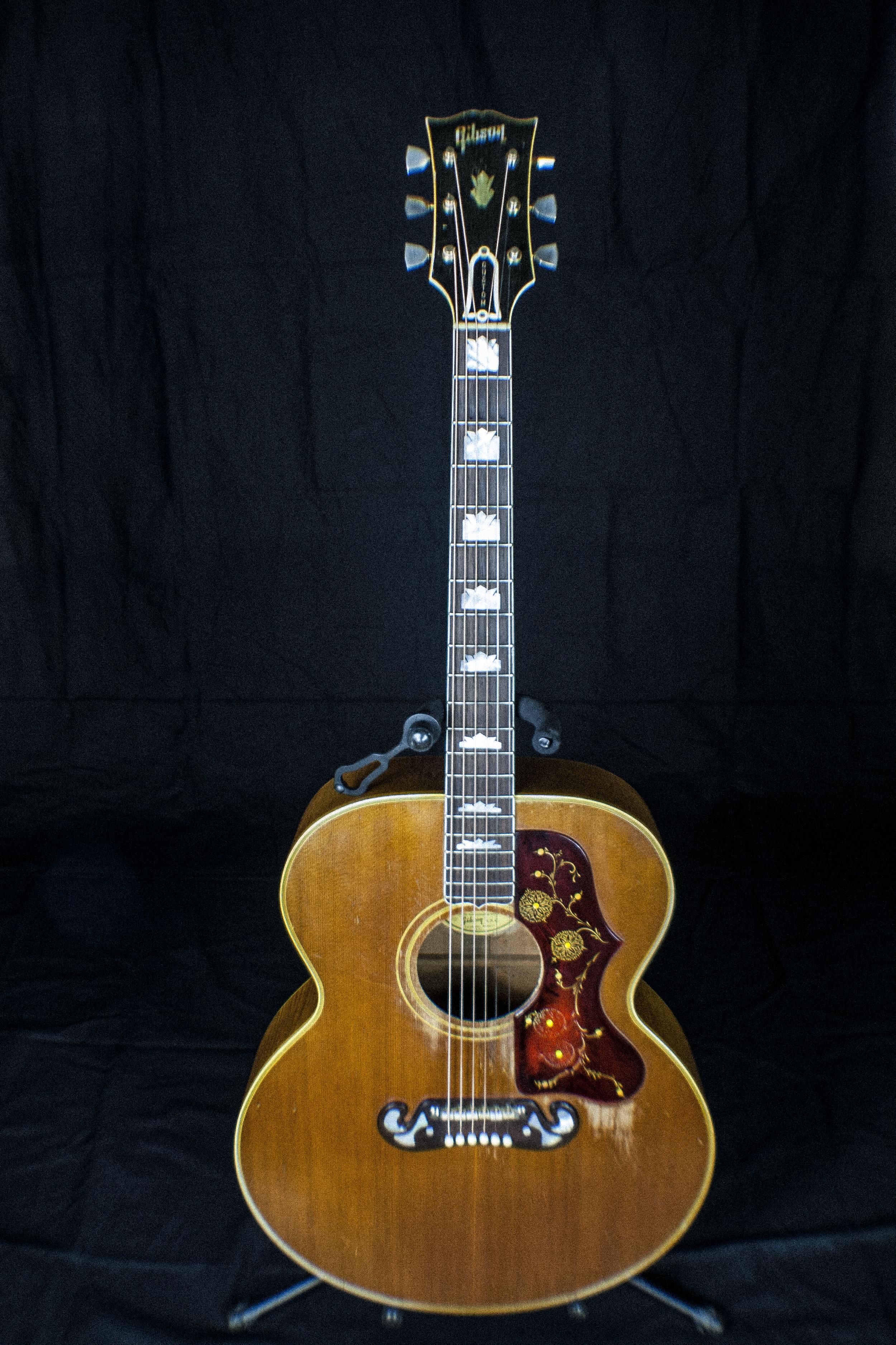 GibsonJ200.jpg