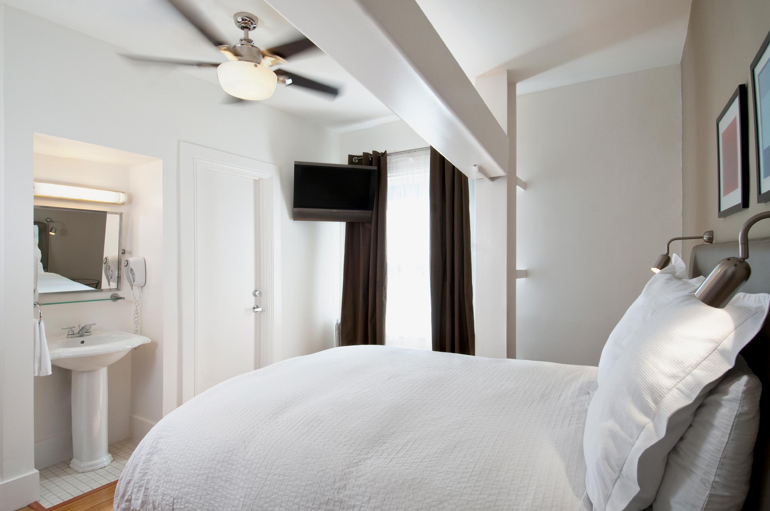 Herbert Hotel Queen Room