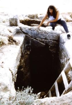 Excavations at Sumaqa, Carmel Hills, Israel 1993