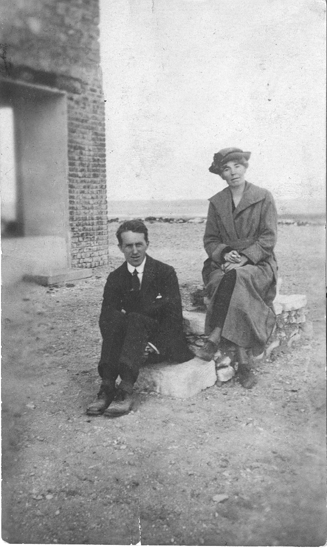 'Col T E Lawrence and Miss Gertrude Bell' in Cairo (Credit: Gertrude Bell Archive, Newcastle University)
