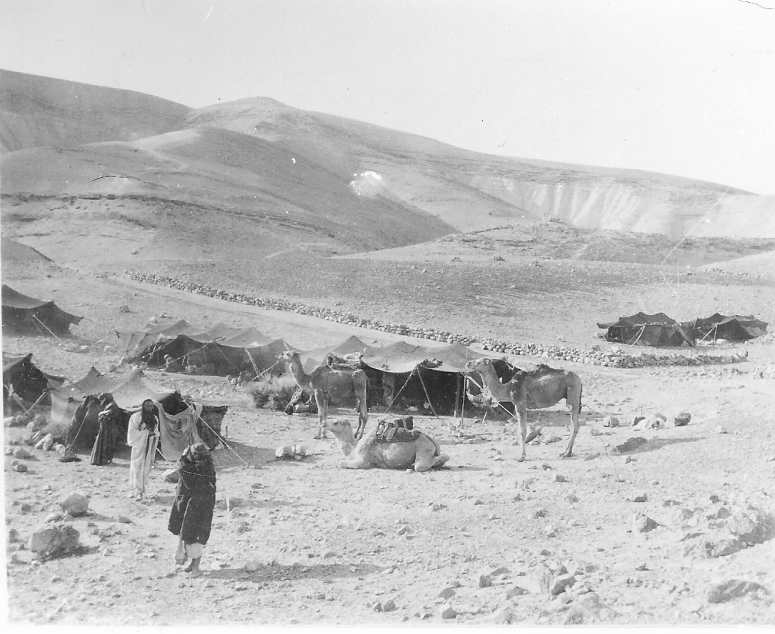 Bell photograph of Beduin in the Judean Desert, nr Jericho 1900 (Credit: Gertrude Bell Archive, Newcastle University)
