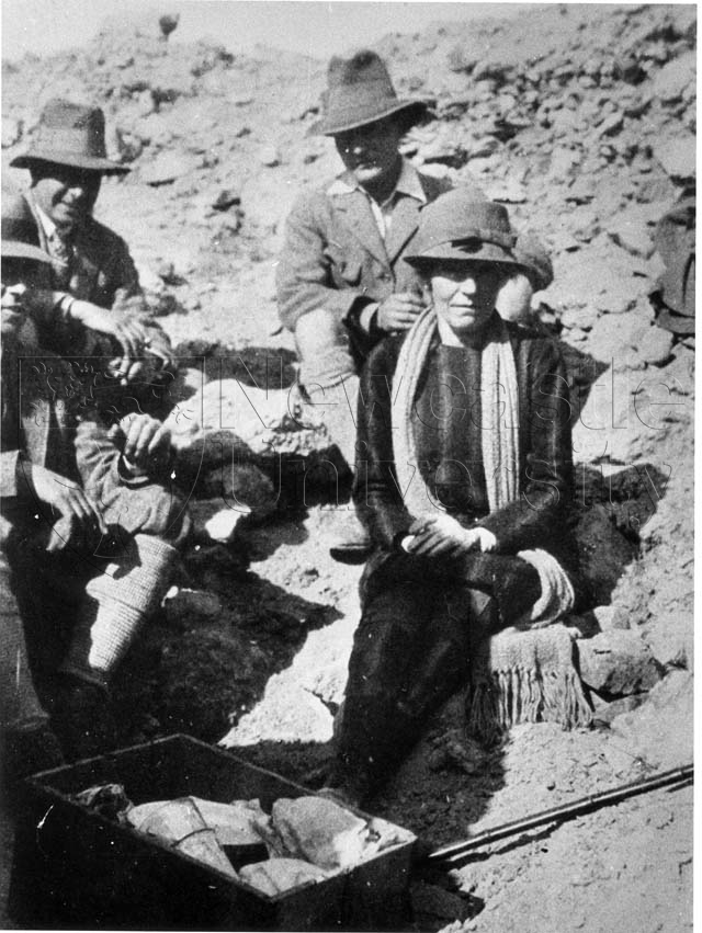 Gertrude Bell with Leonard Woolley and other archaeologists at Ur (Iraq) (Credit: Gertrude Bell Archive, Newcastle University)