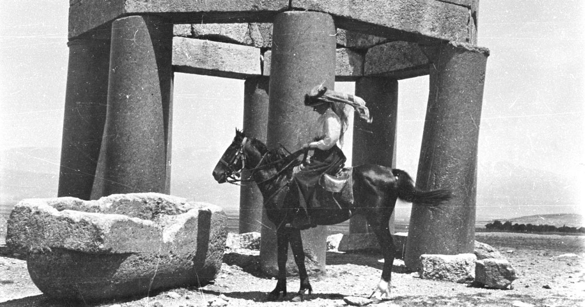 Gertrude Bell on horseback - the iconic picture used in 'Letters from Baghdad' (Credit: Gertrude Bell Archive, Newcastle University)