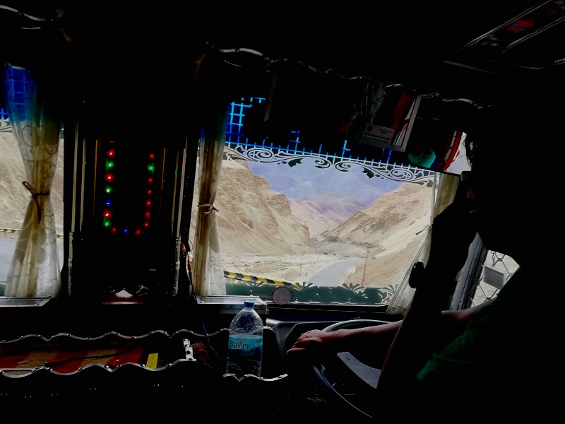 hitchhiking on the last 10km towards alchi, ladakh