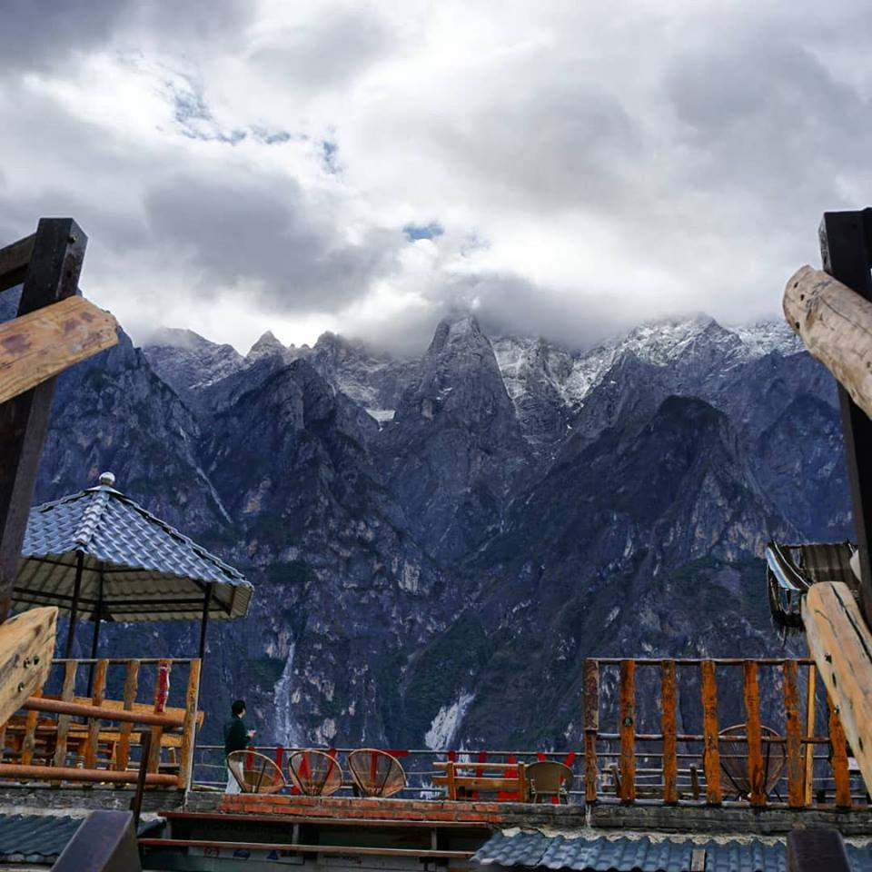 The stunning display of the jade dragon snow mountain at the halfway guest house