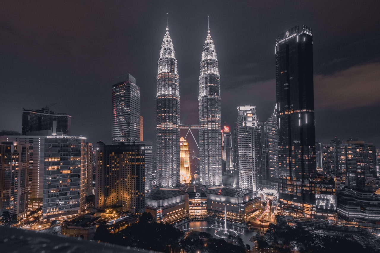Malaysia-2-Weeks-Itinerary-Petronas-Twin-Towers.jpg