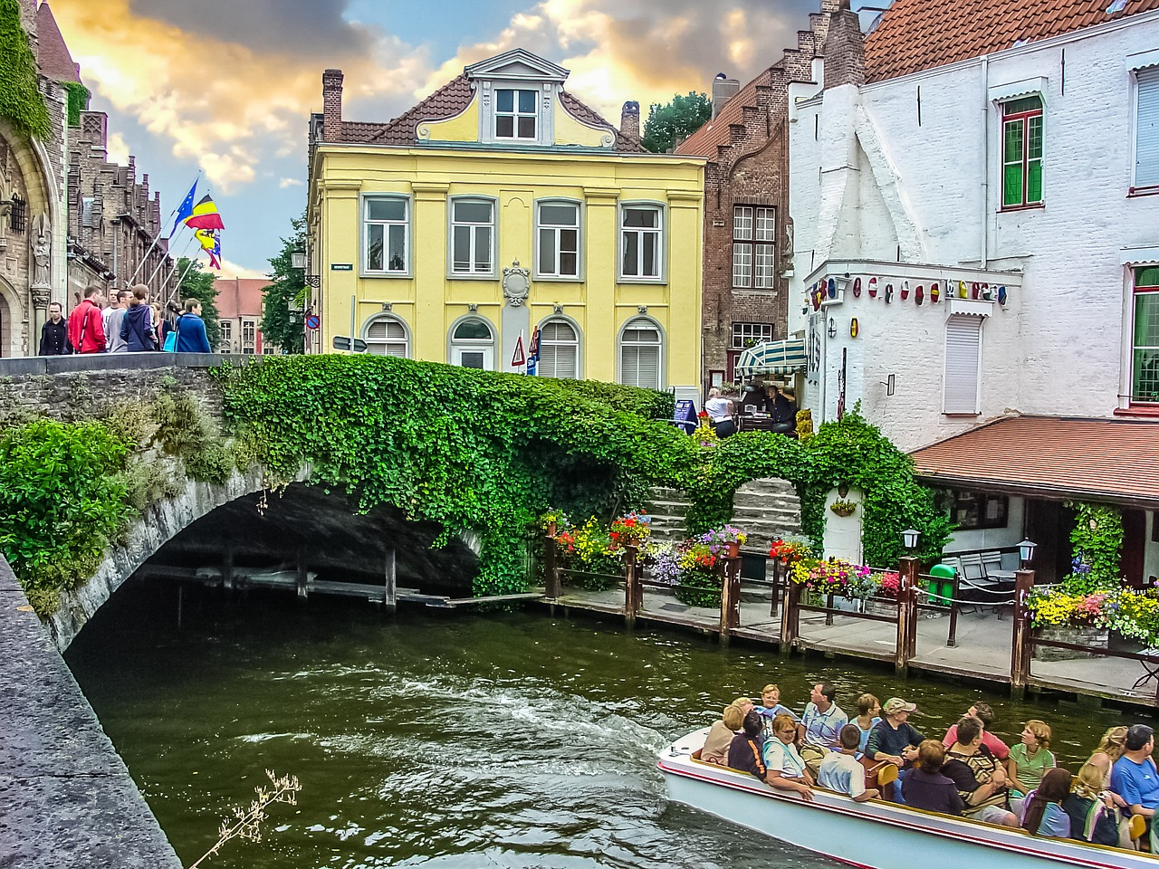 What-To-Do-In-Bruges-Canal-Tour.jpg