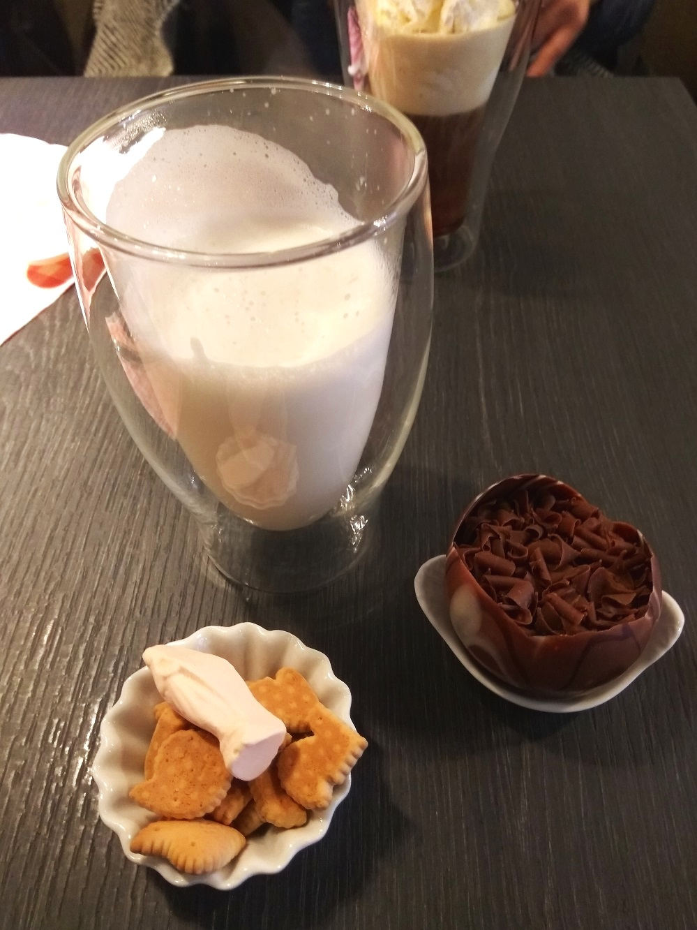 What-to-do-in-bruges-belgian-hot-choc-lizzie-wafels.jpg