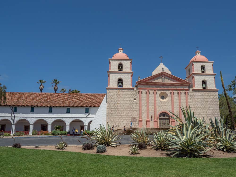 Dark-Tourism-Sites-Destinations-Santa-Barbara-Mission-California-Wayfaringviews.JPG