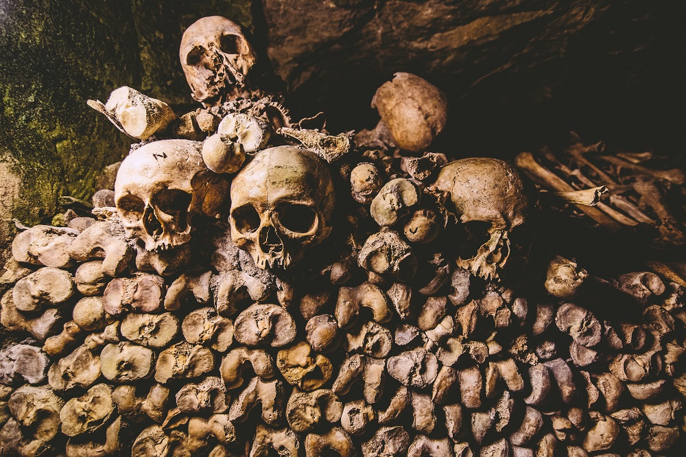Dark-Tourism-Destinations-Sites-Catacombs-of-Paris.jpg