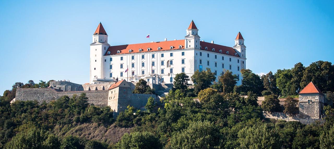 One-Day-In-Bratislava-Slovakia-Castle.jpg