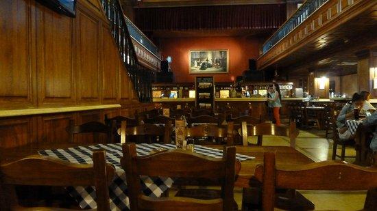 One-Day-In-Bratislava-Slovak-Pub.jpg