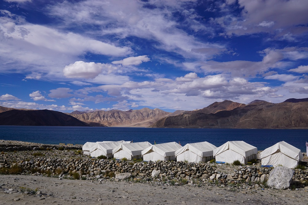 Clear luxury when you have 21st century camps at the banks of the Pangong Lake. This tent had a full-fledged toilet with a flush. There's a reason why a full-functioning toilet was there - due to our modern demands. What if we collectively stop giving in to this demand?