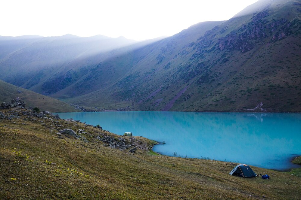 The turquoise shimmer of Kol Tor Lake on our trek was indeed this blue.