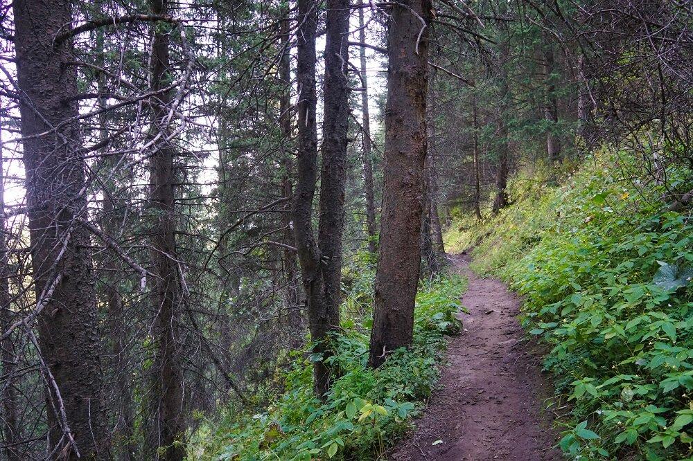 Hiking-Kol-Tor-Lake.jpg