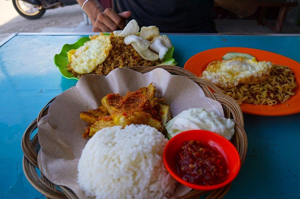Warung-Food-Belitung-Indonesia.jpg